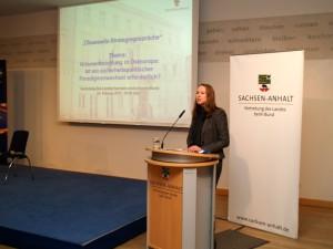 Frau Dr. Margarete Klein hält ihren Impulsvortrag