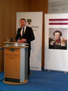 Staatssekretär Dr. Michael Schneider eröffnet das 7. Clausewitz-Strategiegespräch