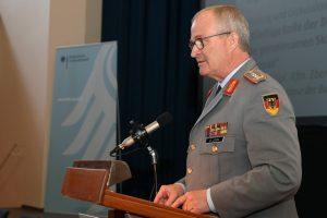 Der Generalinspekteur, General Eberhard Zorn, bei seinem Vortrag